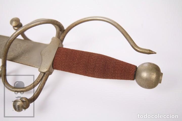 Militaria: Espada Decorativa - Réplica de Espada Colada del Cid - Toledo - Longitud 101 cm - Años 70-80 - Foto 14 - 223932711