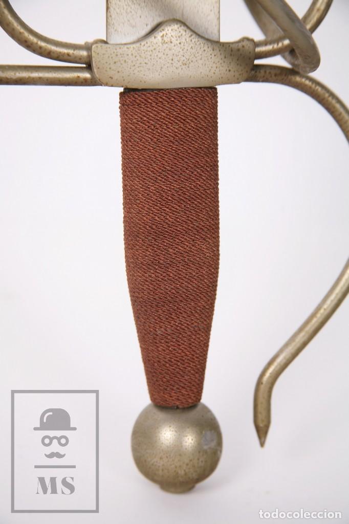 Militaria: Espada Decorativa - Réplica de Espada Colada del Cid - Toledo - Longitud 101 cm - Años 70-80 - Foto 15 - 223932711
