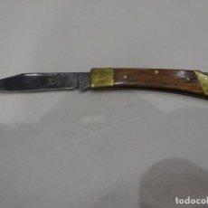 Militaria: ANTIGUA NAVAJA ROSTFREI CON CACHAS DE MADERA, 15 CMS. Lote 224930585
