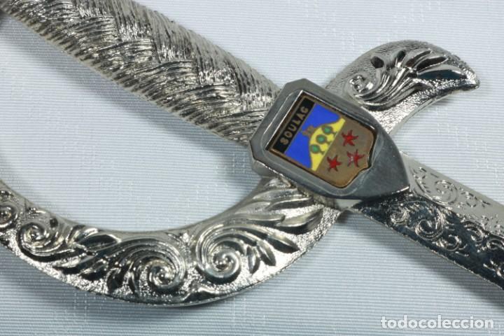 Militaria: Antiguo abrecartas francés decorado con el escudo de la ciudad de Bouloc con su funda original - Foto 7 - 225305450