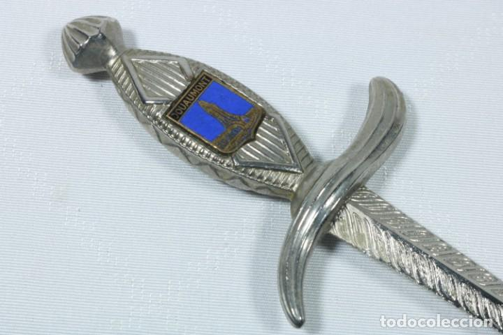 Militaria: Antiguos abrecartas franceses decorados con el escudo de ciudades francesas - Douamont, Paris... - Foto 3 - 225306930