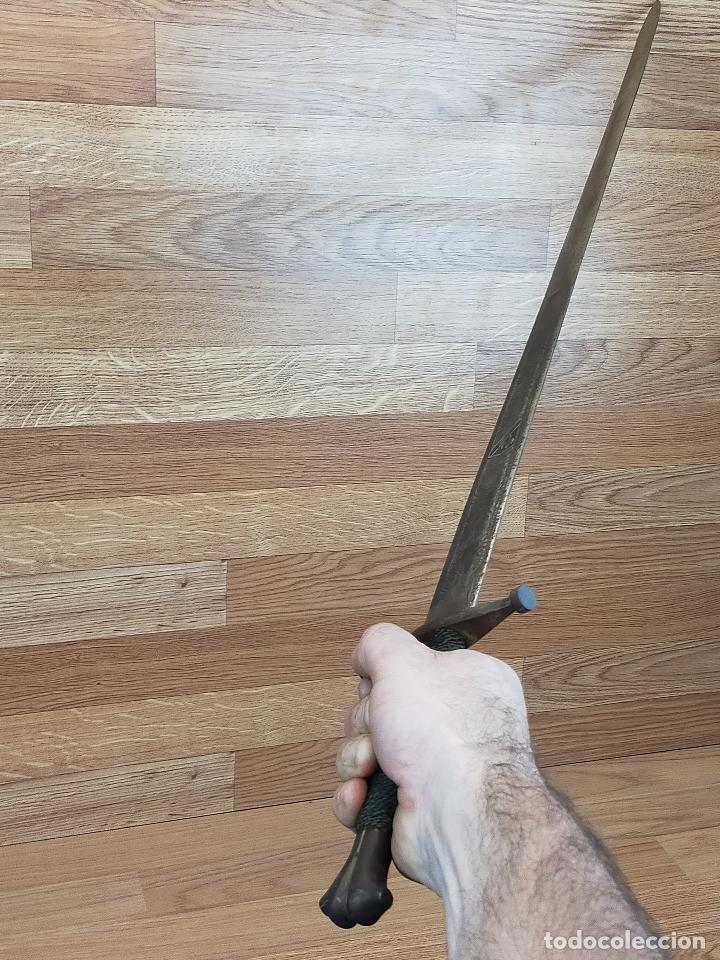 Militaria: gran espada 90 cm con hoja grabada - Foto 2 - 248196560