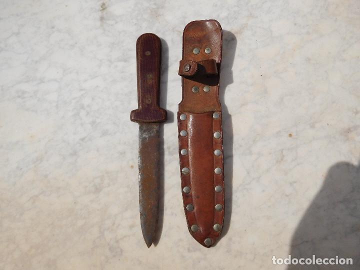 CUCHILLO ANTIGUO CON FUNDA (Militar - Armas Blancas Originales Fabricadas entre 1851 y 1945)