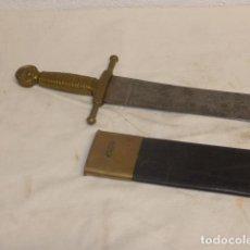 Militaria: ANTIGUO MACHETE DE ARTILLERIA ESPAÑOL MODELO 1843, ORIGINAL, CON FUNDA. ESPADA.. Lote 266115438