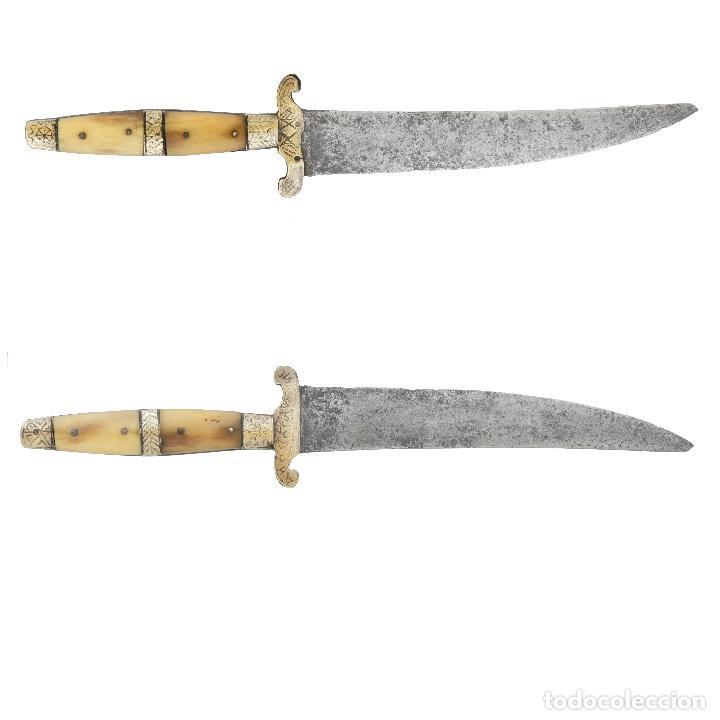 ORIGINAL Y CONSERVADO CUCHILLO SASTAGUINO FECHADO 1915. ASTA Y LATÓN. GRANDE. 30 CM. (Militar - Armas Blancas Originales Fabricadas entre 1851 y 1945)
