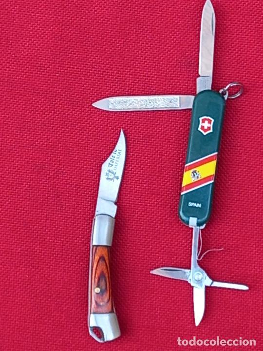 LOTE DE DOS PEQUEÑAS NAVAJAS EN MINIATURA .- ALBACETE / TOLEDO - VICTORINOX. (Militar - Armas Blancas, Reproducciones y Piezas Decorativas)
