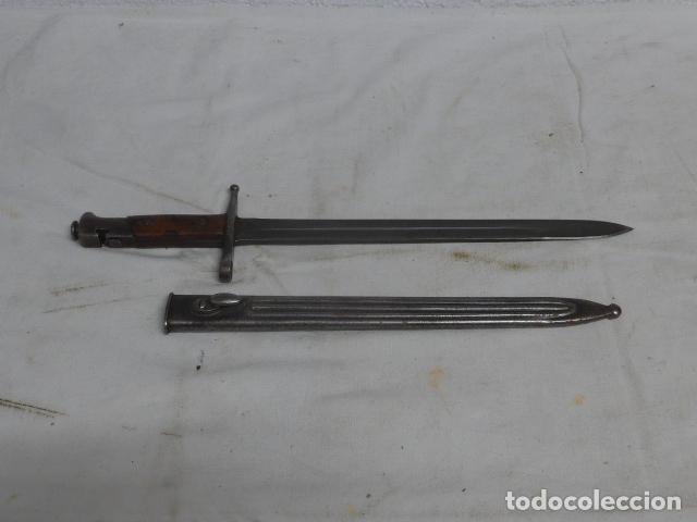 ANTIGUA RARA BAYONETA ITALIANA MODELO CON BOTON TRASERO Y FUNDA METALICA, GUERRA CIVIL, ITALIA. (Militar - Armas Blancas Originales Fabricadas entre 1851 y 1945)