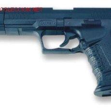 Militaria: PISTOLA AIR SOFT ACCION MANUAL BOLAS CALIBRE 6 MM.WALTHER P99 COMPENSADOR JAMES BOND . Lote 7299213