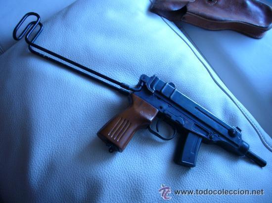 PISTOLA MODELO ESCORPION CALIBRE 765 (Militar - Armas de Fuego Inutilizadas)