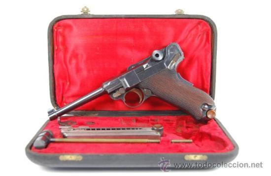 PISTOLA LUGER DWM M1900 COMERCIAL EN ESTUCHE DE PRESENTACIÓN CON ACCESORIOS (Militar - Armas de Fuego en Uso)