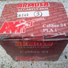 Militaria: CAJA 25 CARTUCHOS ARMUSA CALIBRE 24 (INERTE). Lote 40866143