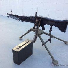 Militaria: AMETRALLADORA M60 DE AIRSOFT Y TRIPODE M122 + PEINE BALAS DESACTIVADAS + CAJA MUNICION + 5000 BOLAS. Lote 53646100