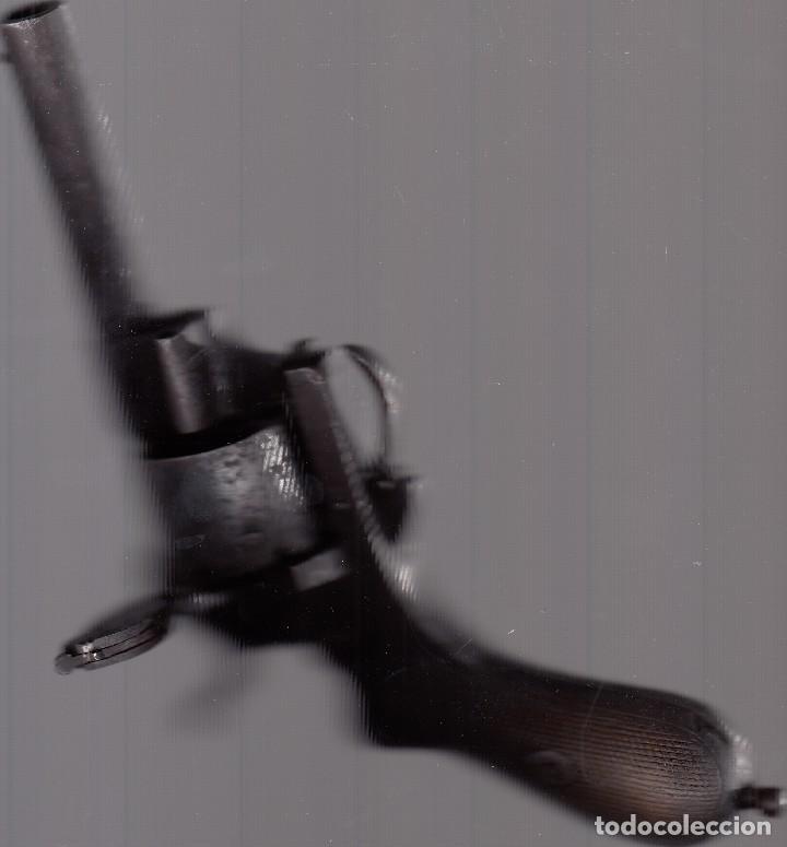 Militaria: Pistola o revólver (de tambor). Unos 100 años de antigüedad. Cañón inutilizado. Buena conservación. - Foto 5 - 182034132