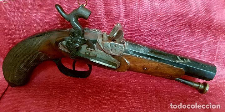PISTOLA ESPAÑOLA DE AVANCARGA FABRICADA EN EIBAR POR PEDRO GUISASOLA,S. XIX (Militar - Armas de Fuego de Avancarga y Complementos)