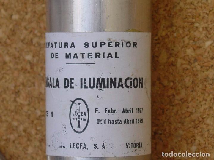 Militaria: bengala iluminacion inerte con paracaidas - Foto 2 - 86448588