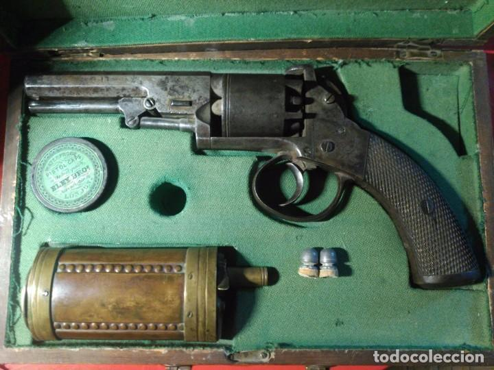 REVÓLVER PRYSE & CASHMORE EN CAJA COMPLETO INGLATERRA 1855 (Militar - Armas de Fuego de Avancarga y Complementos)