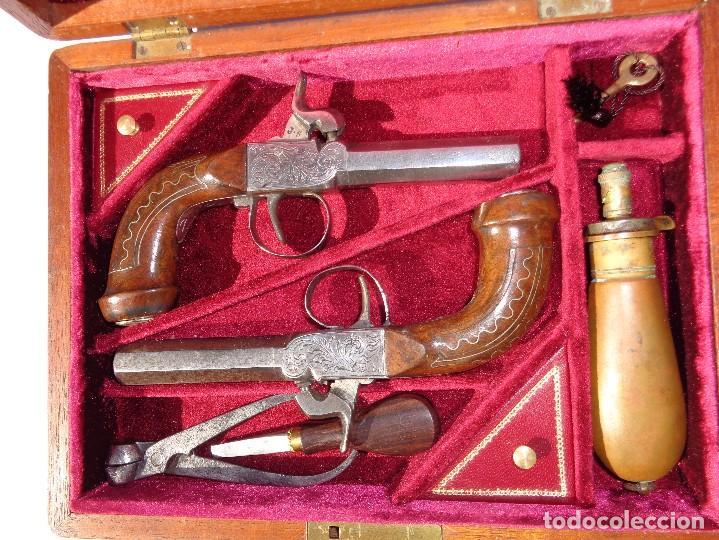 DUAS PISTOLAS FRANCESAS LOUIS PHILIPE 1840 EN CASA. (Militar - Armas de Fuego de Avancarga y Complementos)