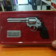 Militaria: REVOLVER SMITH AND WESSON 44 MAGNUN REPLICA 629 CLASSIC PP. Lote 113165063