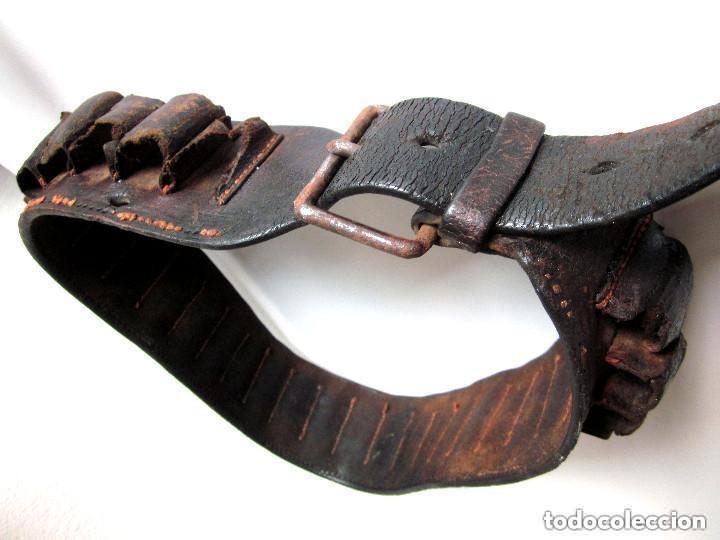Militaria: Antigua Cartuchera Cinturón cartuchos portabalas de cuero piel con hebilla Guerra Civil ? - Foto 4 - 121725987