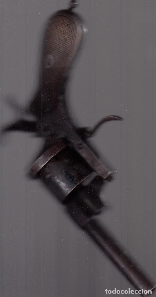 Militaria: Pistola o revólver (de tambor). Unos 100 años de antigüedad. Cañón inutilizado. Buena conservación. - Foto 2 - 182034132