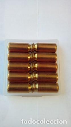 Militaria: Cartuchos del calibre 8 mm cargados con gas pimienta - Foto 2 - 219958548