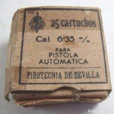 Militaria: ANTIGUA CAJA DE CARTUCHOS VACIA DEL CALIBRE 6,35 M. PIROTECNIA DE SEVILLA. Lote 139820814