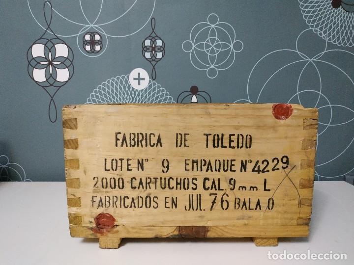 CAJA DE MUNICION DE MADERA FCA. DE TOLEDO 9 LARGO DE 1976 (Militar - Cartuchería y Munición)