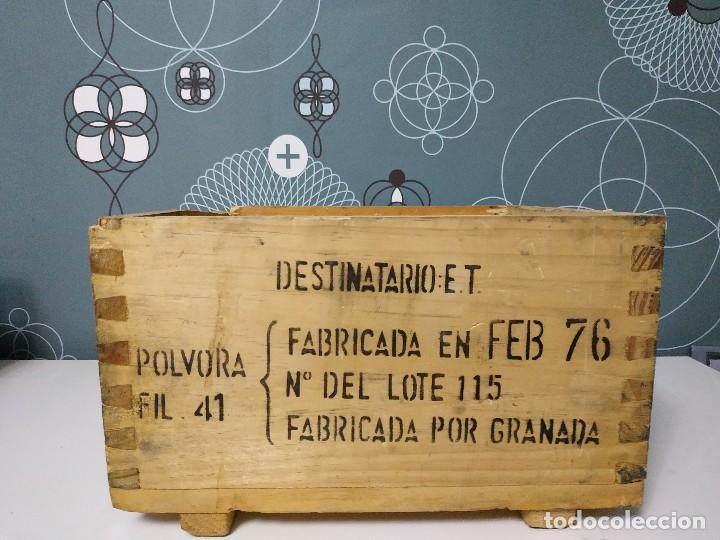 Militaria: Caja de municion de madera FCA. De Toledo 9 largo de 1976 - Foto 2 - 144517022