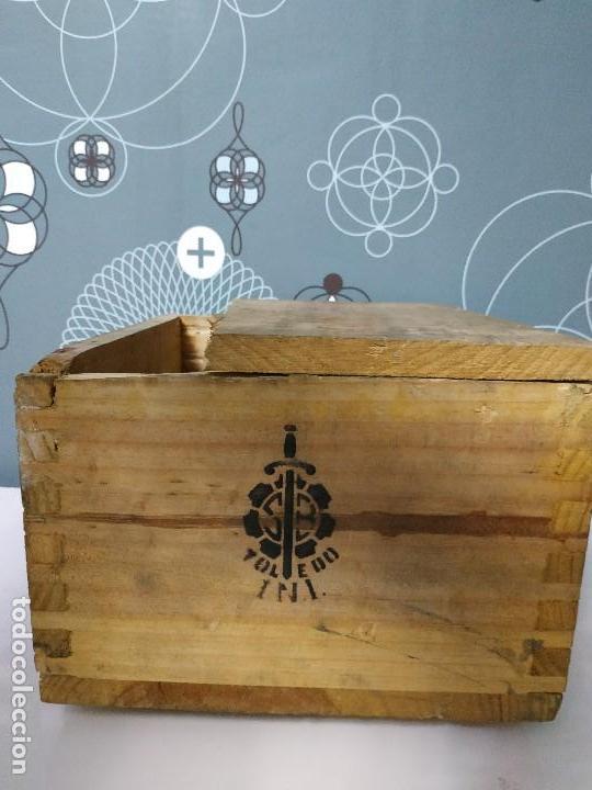 Militaria: Caja de municion de madera FCA. De Toledo 9 largo de 1976 - Foto 4 - 144517022