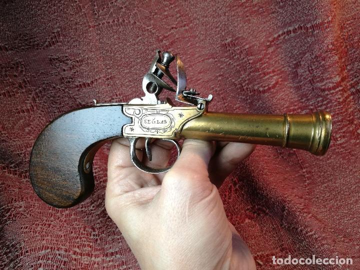 PISTOLA DE CHISPA DE BOLSILLO MARINA INGLESA S. XVIII-TIPO CACHORRILLO TRABUCO-SEGLAS LONDON- REF-CV (Militar - Armas de Fuego de Avancarga y Complementos)