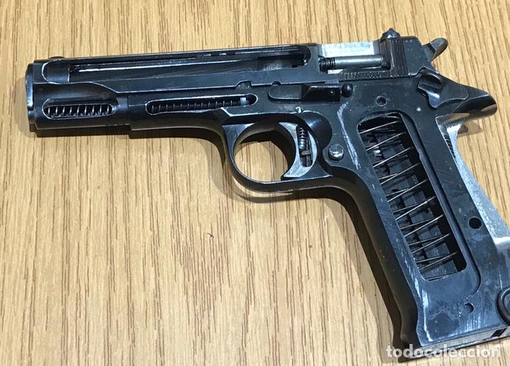PISTOLA STAR S SECCIONADA MECANIZA LA CORREDERA (Militar - Armas de Fuego Inutilizadas)