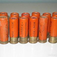 Militaria: LOTE DE 12 CARTUCHOS ANTIGUOS DE CAZA. ORBEA. CALIBRE 12.. Lote 151478954