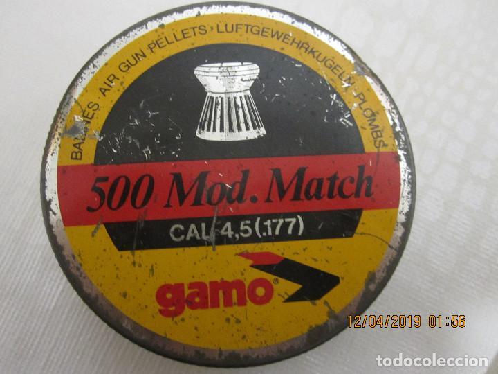 Militaria: ANTIGUA CAJA DE 500 BALINES DIABOLO GAMO.CON UNOS POCOS BALINES - Foto 2 - 160097306
