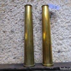 Militaria: ARMADA - 2 VAINAS CASQUILLOS MUNICION ANTIAEREA DE USO EN DEDALO Y CANARIAS, 35CM 2KG + INFO 1S. Lote 194580686