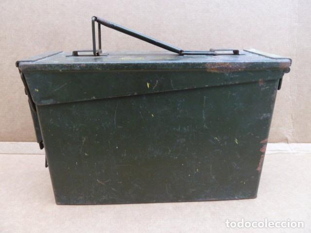 CAJA DE MUNICION METALICA, PARA MG - M 60 - M73. PARA 200 CARTUCHOS CALIBRE 7,62...CON USO.INERTE. (Militar - Cartuchería y Munición)
