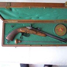 Militaria: PISTOLET DE SALON CALIBRE 6 M/M TYPE FLAUBERT EN COFFRET ANNÉE 1860. Lote 174036403