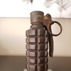 Militaria: GRANADA UNIVERSAL B-3, ANTIGUA Y VACIA. Lote 176816148