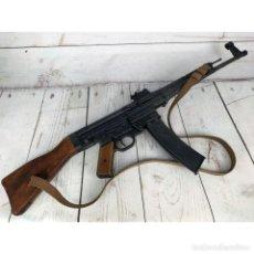 Militaria: FUSIL STG-44 RÉPLICA. Lote 234858135