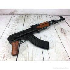 Militaria: FUSIL AK-47 CON CULATA PLEGABLE RÉPLICA. DENIX. Lote 221354901