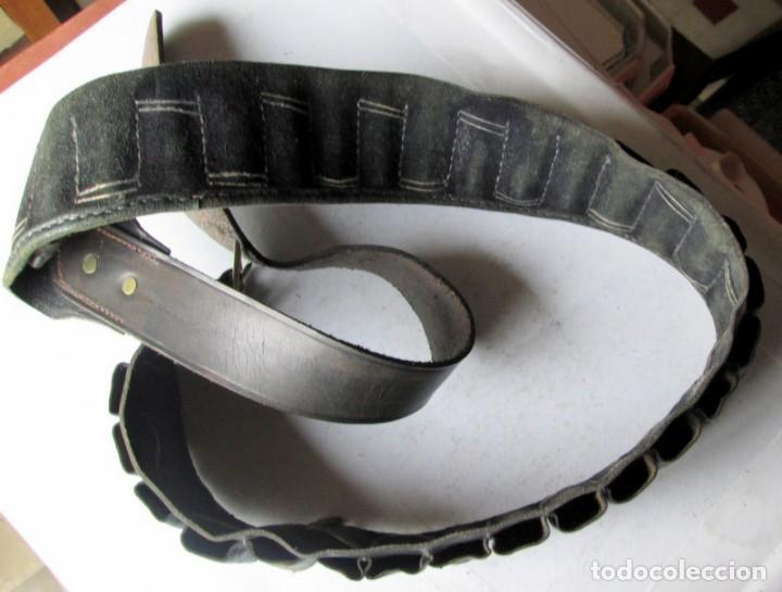 Militaria: CANANA DE PIEL PARA 30 CARTUCHOS-130 cm - Foto 4 - 193677388