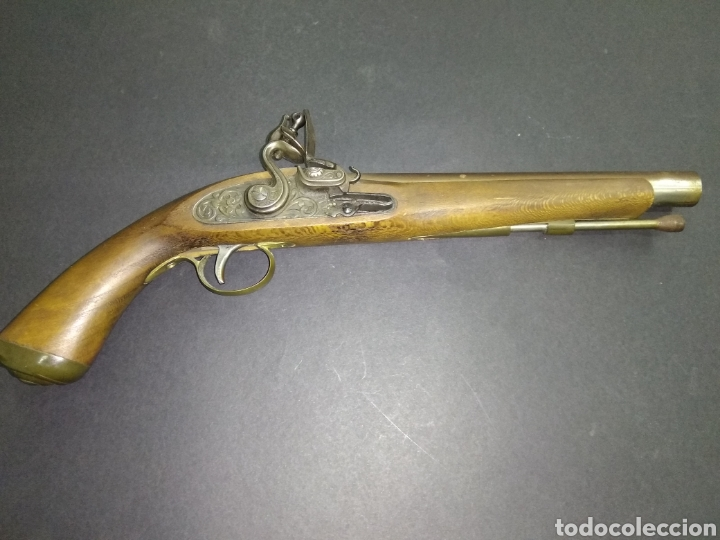 ANTIGUA PISTOLA FLINTLOCK CHISPA 39 CM GRABADO BURIL A MANO EN LA PLETINA (Militar - Armas de Fuego de Avancarga y Complementos)