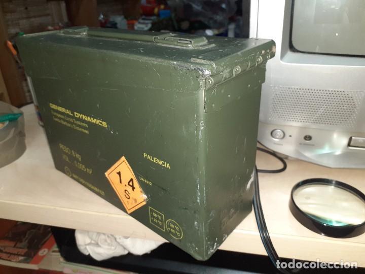 Militaria: Caja metálica hermética para munición 200 cartuchos 7,62 mm.General Dymamics. - Foto 2 - 207874221