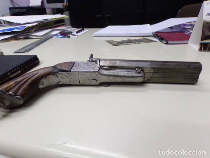 Militaria: pistola dos cañones con grabados dibujos en el metal - Foto 3 - 216747710