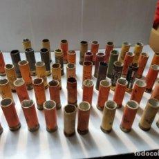 Militaria: LOTE 56 CARTUCHOS INERTES CARTÓN VARIAS MARCAS ALGUNAS ESCASAS. Lote 218153707