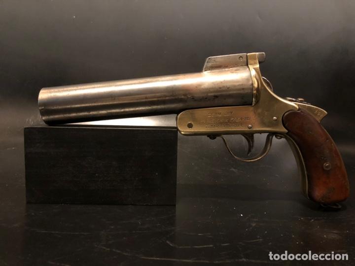 "Militaria: Pistola de bengalas KAWAGUCHIYA FIREARMS/ TOKYO & OSAKA"". 1956 - Foto 2 - 221248471"