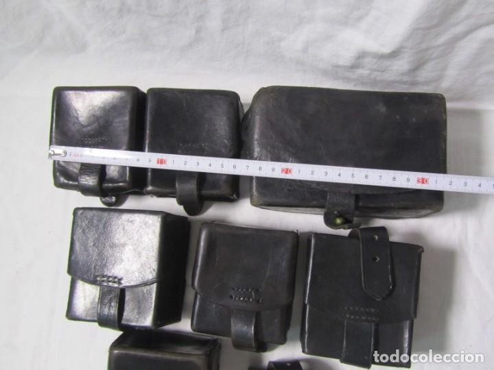 Militaria: Gran lote de cartucheras de cuero de la Guardia Civil - Foto 3 - 230607100