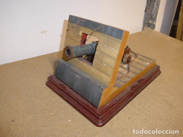 Militaria: Antigua maqueta reproduccion de cañon de metal o bronce y madera. - Foto 3 - 230935010