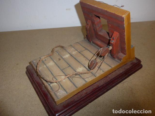 Militaria: Antigua maqueta reproduccion de cañon de metal o bronce y madera. - Foto 12 - 230935010