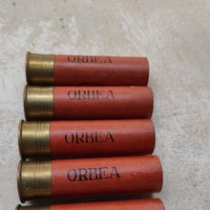 Militaria: LOTE DE 5 CARTUCHOS DE CAZA ORBEA - VITORIA - CALIBRE 12 - 70MM - VACÍOS Y SIN USO -. Lote 232068415