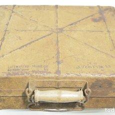 Militaria: SGM WWII ALEMANIA CAJA DE TRANSPORTE PARA LOS 3,7CM FLAK, EN COLOR ARENA Y FECHADA 1944.. Lote 236057995
